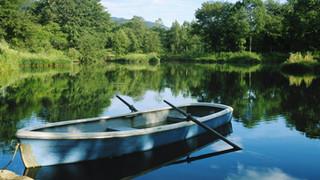 SR13 Boat on Lake