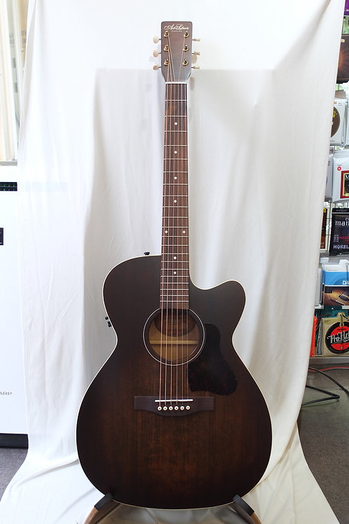 Art & Lutherie Legacy Cutaway