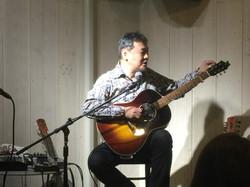 打田十紀夫 (Guitar)