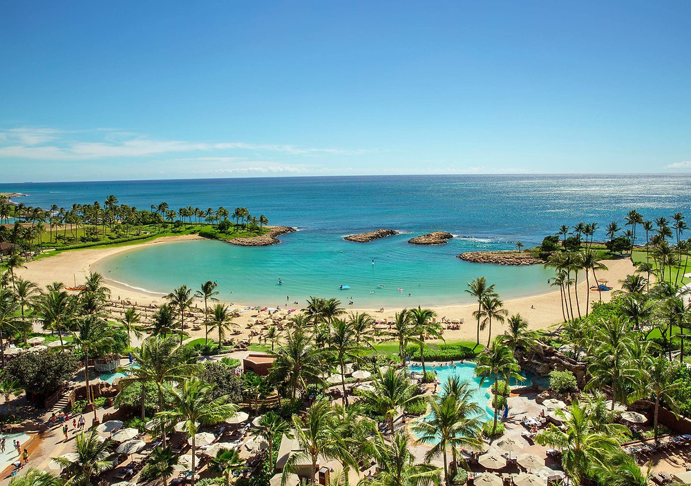 Aulani lagoon overlooking the Pacific Ocean