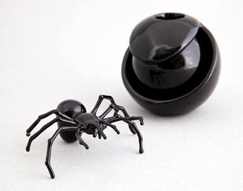 Tarantule perfume