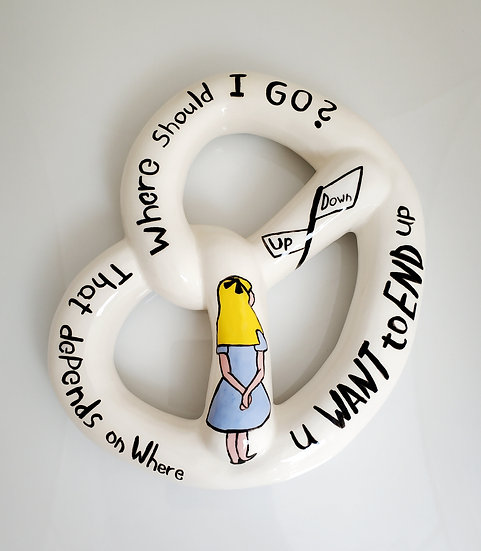 אליס בייגלה Ceramic Pretzel - eden hevroni snow white, wall decorations