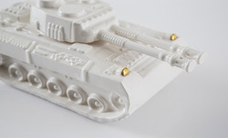 Tank sculpture in ceramic With touch