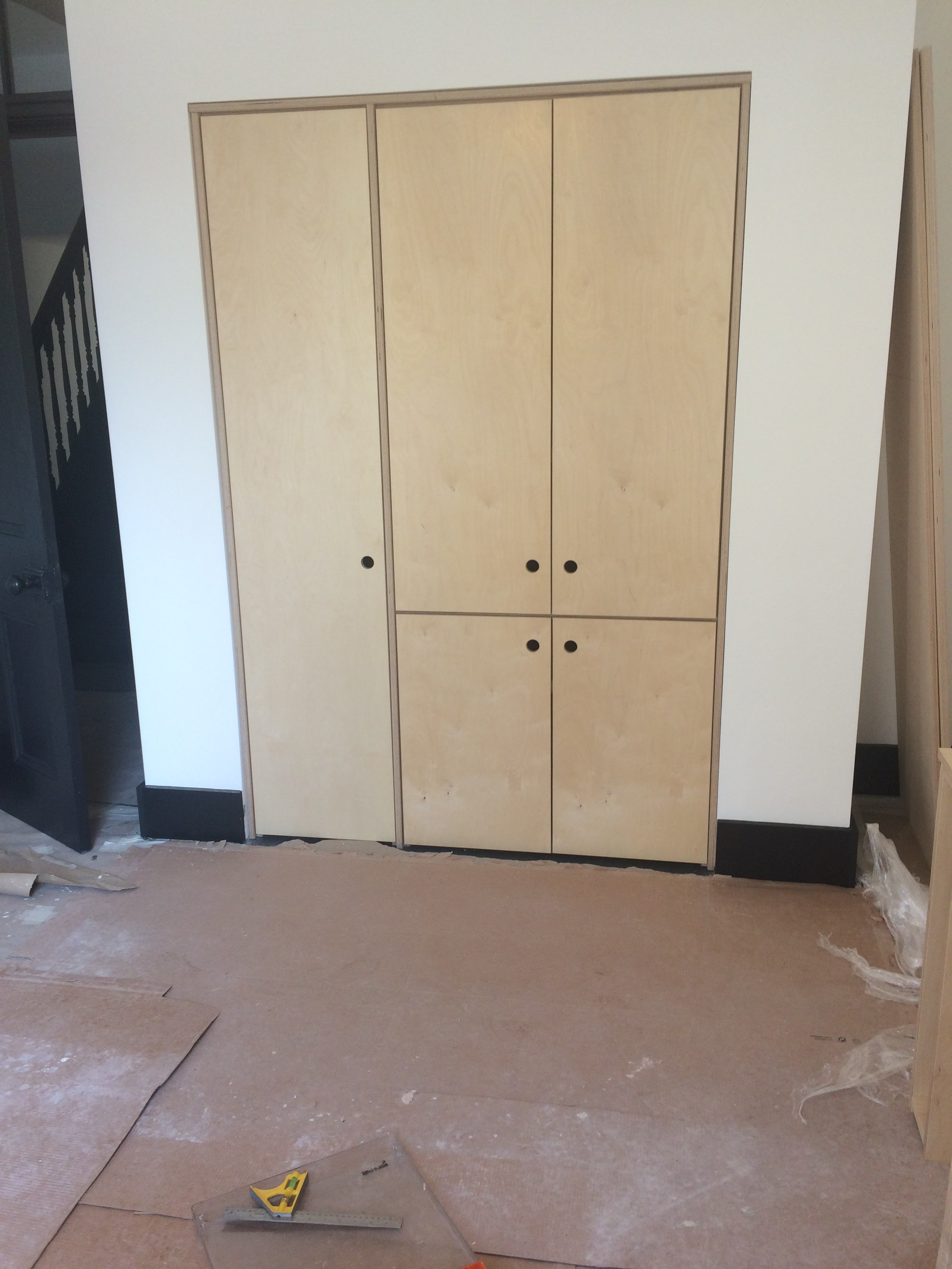 Fitted ply units in home office