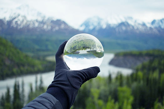 Natuur reflecteert op kristalglas