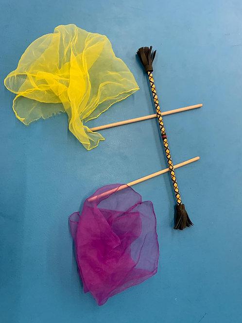 2 foulards et 1 bâton fleur (2/3 ans et 4/6 ans)