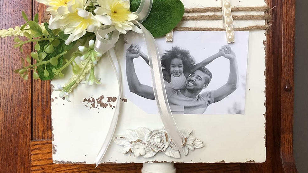Timeless treasure picture holder