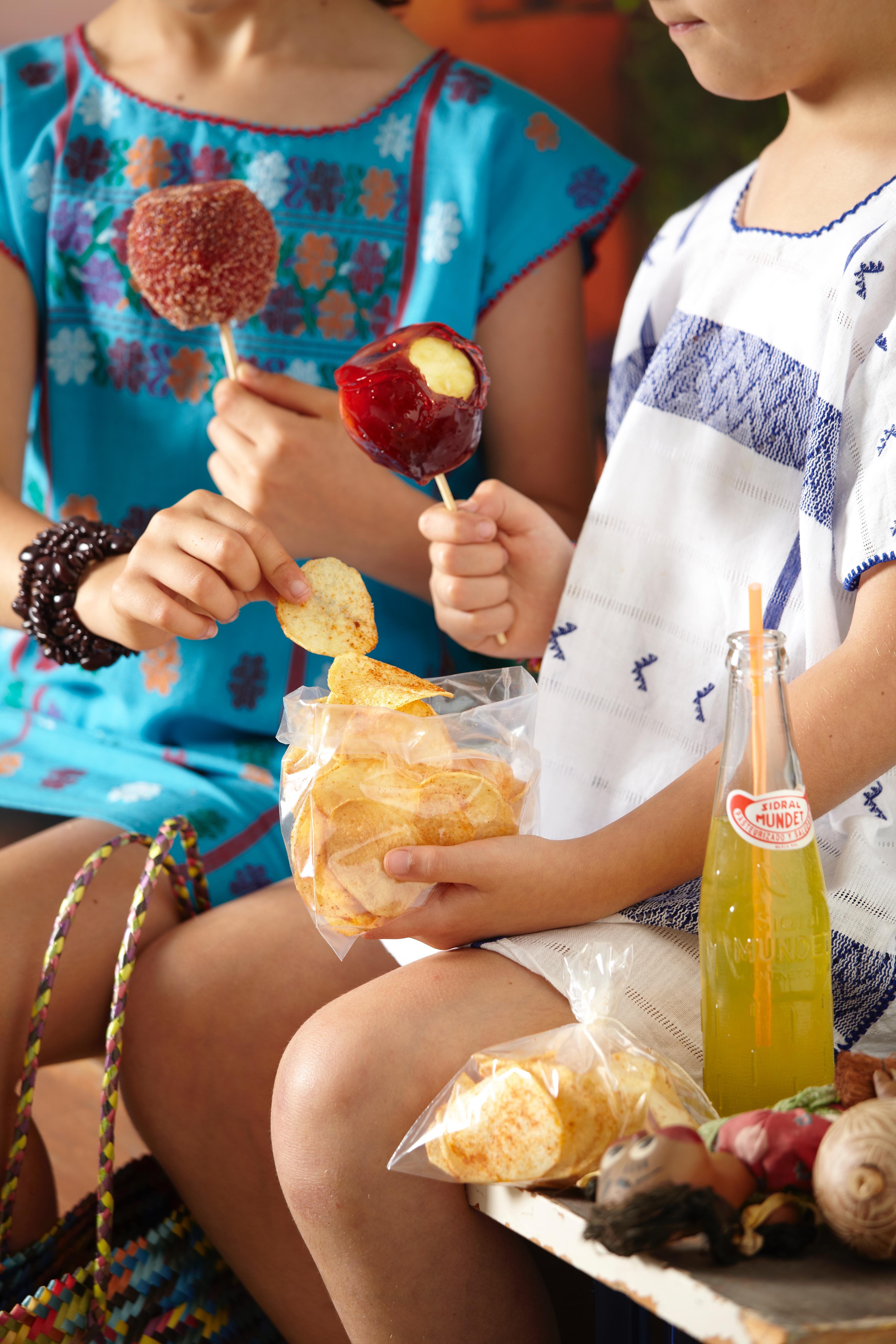 Chamoy potato chips & apples
