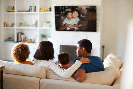 Family enjoying MemoryViewsTV