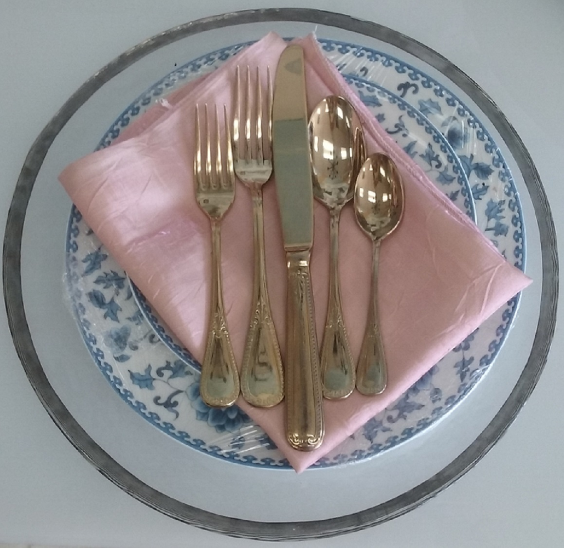All Gold Flatware Set