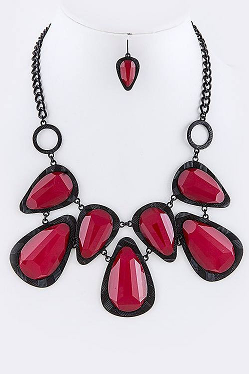 FACETED ACRYLIC ORNATE LINK BIB NECKLACE SET