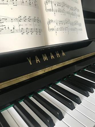 Yamaha lettering and keys.JPG