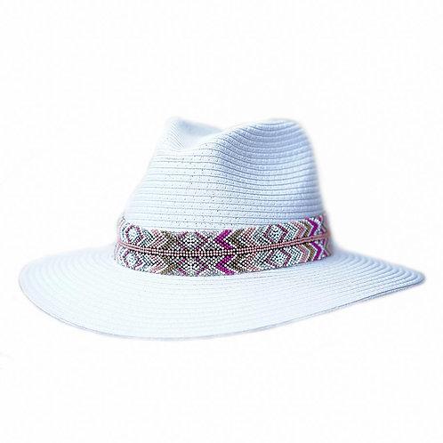 Sombrero de vueltas con toquilla de chaquira.