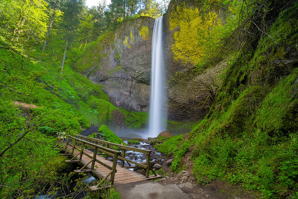 oregon waterfalls latourell falls
