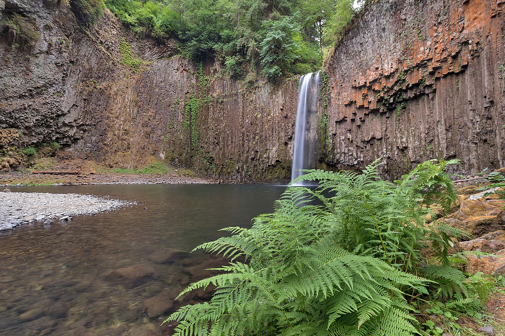 best hikes in oregon with waterfalls