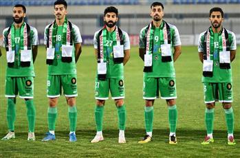 لاعبو العربي والسالمية يرتدون علم فلسطين تضامناً مع أحداث حي الشيخ جراح في القدس