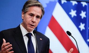 وزير الخارجية الأمريكي يدعو رئيس تونس إلى الالتزام بالديمقراطية