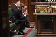وزير الصحة البريطاني يستقيل بعد فضيحة «القبلة»
