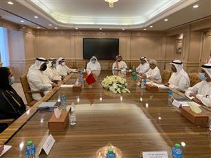 الأمين العام لمجلس التعاون يجتمع مع وزير المالية والاقتصاد الوطني في مملكة البحرين