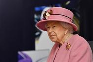 الملكة إليزابيث: تطعيم فيروس كورونا كان سريعاً ولم يؤلمني