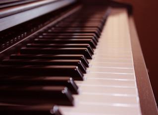 ACOUSTIC PIANO VS DIGITAL KEYBOARD PIANO