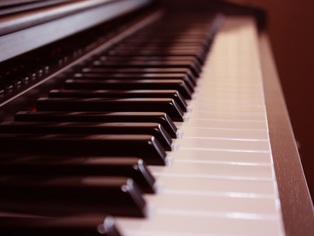 Take piano lessons in Cardiff