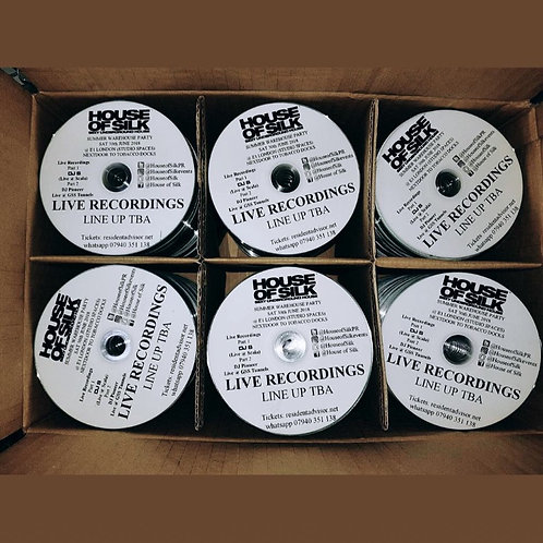 5000 Cds with black and white text Printed on the cds