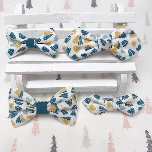 Barrette cheveux noeud papillon tissu coton imprimé fleuri blanc bleu