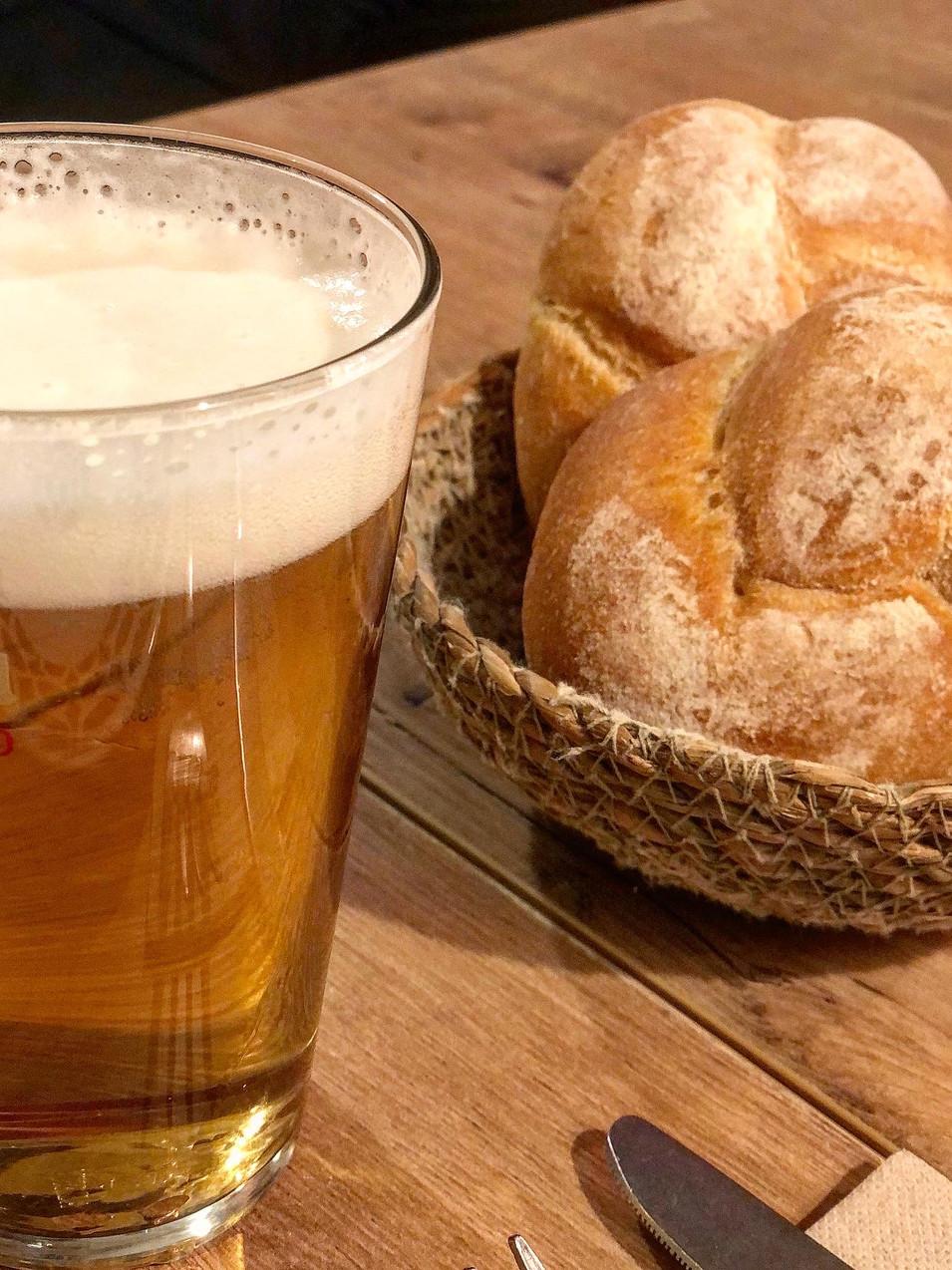 Cerveza y pan