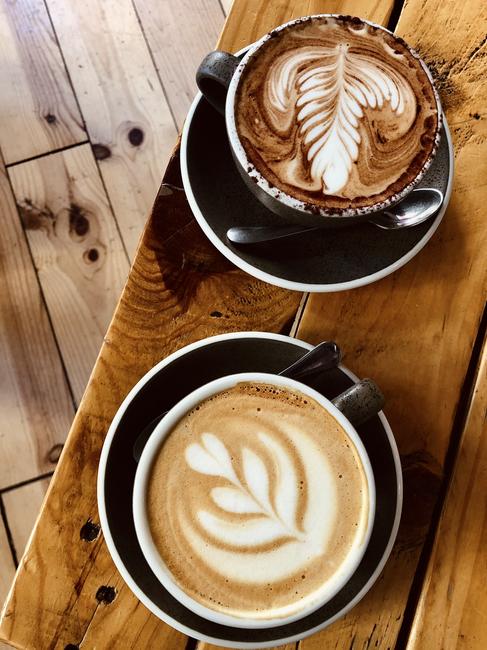 Cappuccino con y sin cacao