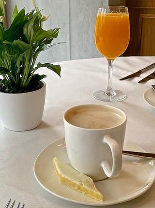 Café y zumo natural