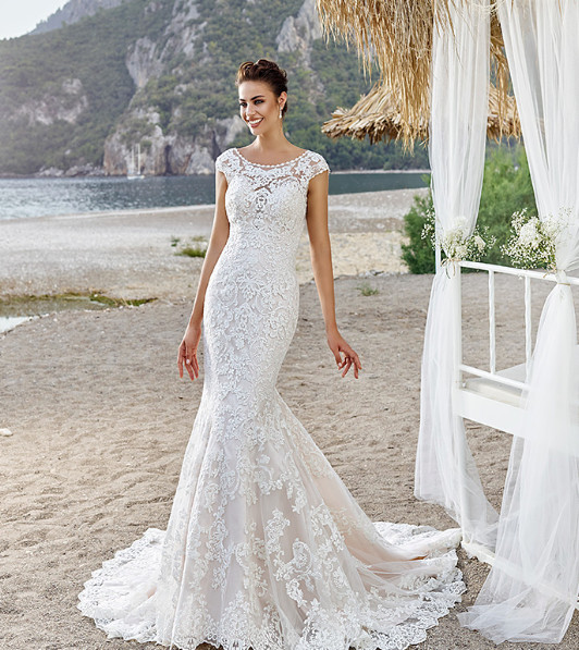BATEAU NECKLINE WEDDING DRESS