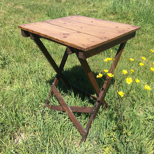 Folding occasional Pine table