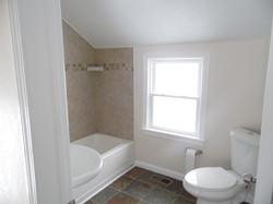 1154 SmithFarm - Bath.JPG