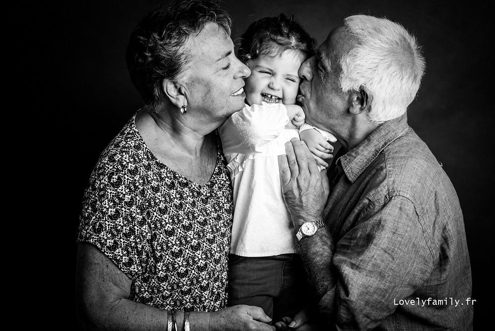 idee-cadeau-fete-des-grands-meres-photographe-famille