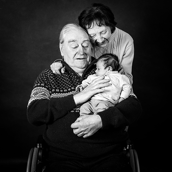 seance-photo-famille-studio-paris-min