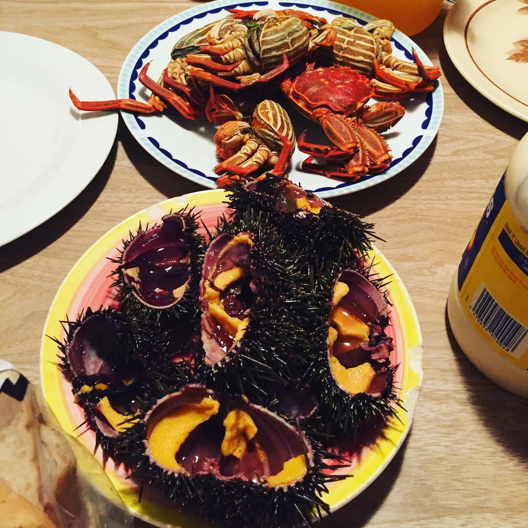 Kina and crab