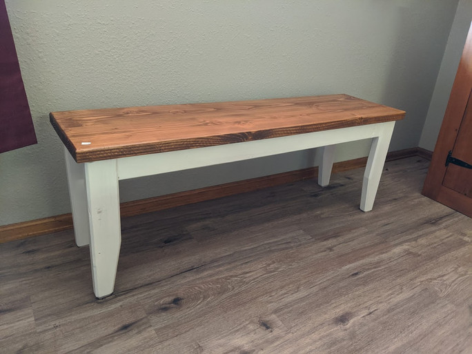 Entry bench with tapered legs