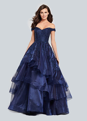 Reception Gowns style no 22_1_edited.jpg