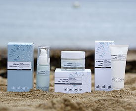 The Algologie Vagues hydration range, designed for the thirstiest skin, provides instant comfort to dry, dehydrated skin.