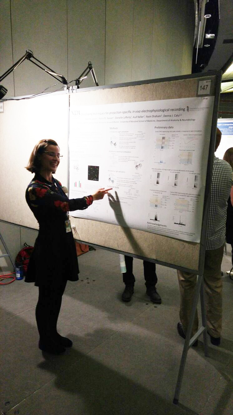 Ellen presenting at NIDA poster day