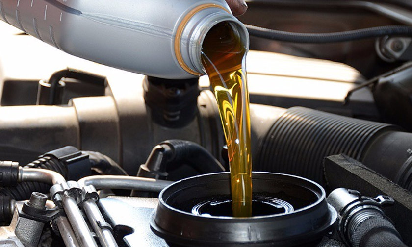 Oil%20change_edited.jpg
