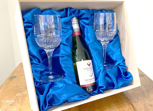 Pair Wines glaases with/without 500ml Villa Maria Wine