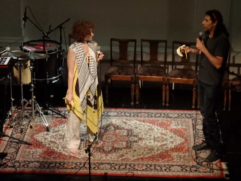 Kunstneraktivist Angel og kunstner Osama Zatar