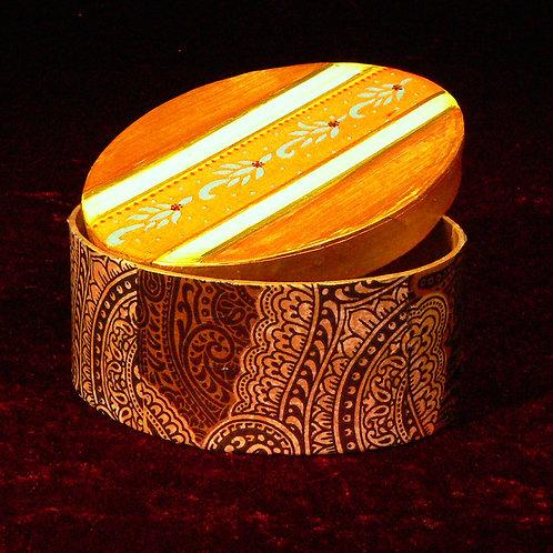 Oval 1  Goldgelb mit Borte