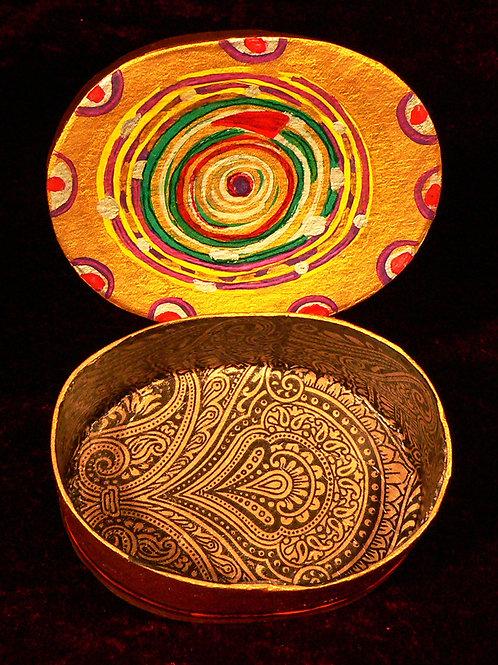 Oval 4 Spiral auf Henna