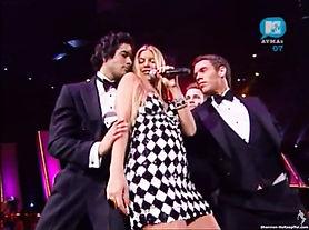 Shannon Holtzapffel shannon holtz  Fergie 2007 MTV AVMA