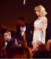 shannon holtzapffel with taylor swift 2014 VMA