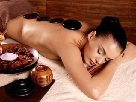 Saviez-vous que le massage aux pierres chaudes possède de nombreuses vertus?