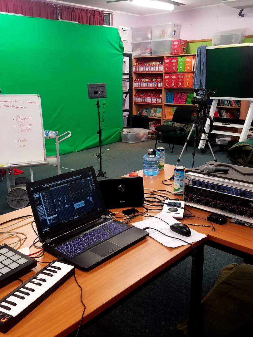 Mobile Audio_Video Production Green Scre